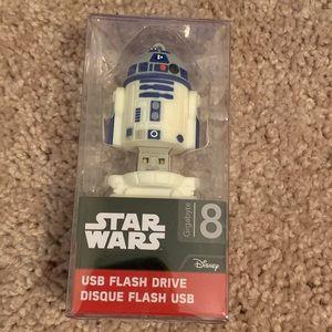 Star Wars R2-D2 flash drive NWOT